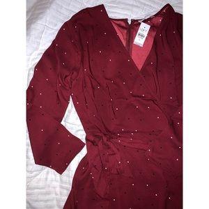 Dotted Wrap Dress NWT ☺️👗